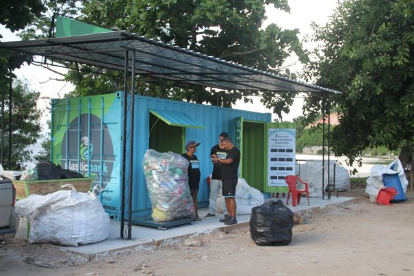 Stopping Ocean Plastic and Improving Lives in Rio de Janeiro
